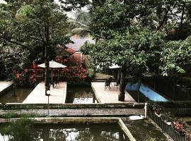 Villa Taman Air Gadog, Богор (рядом с городом Gununggeulis)