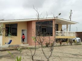Sandra Holiday Home, San Jacinto