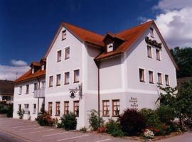Hotel Gasthof am Schloß, Pilsach (Oberwiesenacker yakınında)