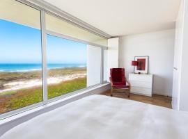 Modern Villa by The Beach With Ocean View, A dos Cunhados
