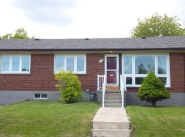 Beautiful Detached Clean and Spacious 6 Bedroom House - Toronto