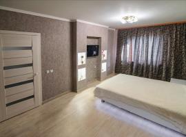 Apartment on Esenina 7