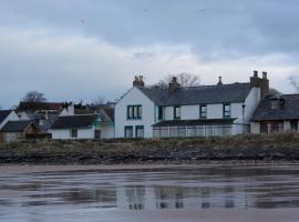 Caledonian House, Portmahomack (рядом с городом Rockfield)