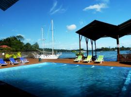 Mar Marine Yacht Club, Рио-Дульсе (рядом с городом Кастильо-де-Сан-Фелипе)