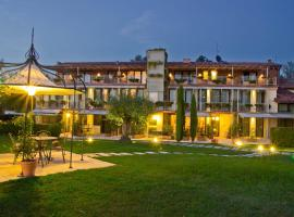 Hotels With A Pool That Guests Love In Verona