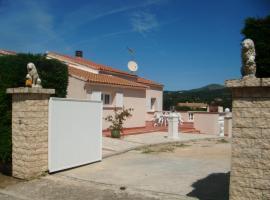 Chambre d'hôtes Des Romarins, Алата (рядом с городом Villanova)
