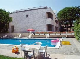 Lignano Exclusive With Pool, Lignano Sabbiadoro (Lignano Pineta yakınında)