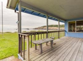 Agate Beach Cabin, Islandale