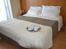 Hotel Trendy, Pratas