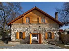 Cifrapince és Vendégház, Tordas (рядом с городом Csontostanya)