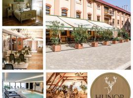 Hunor Hotel és Étterem, Вашарошнамень