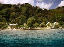 Coconut Grove Lodge, Isla Grande