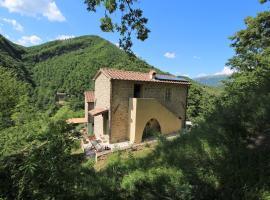 Giallo, Cantiano (Scheggia yakınında)