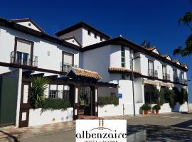 Albenzaire Hotel Asador, Fuensanta (рядом с городом Moraleda de Zafayona)
