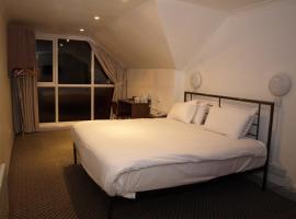 247Hotel.com, Oldham