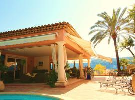Villa avec piscine, Carros