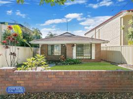 Beachside Holiday Home, Redcliffe
