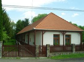 Öreg Bence Háza, Füzérkomlós (рядом с городом Füzér)