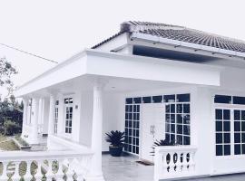 Villa bola, Puncak (рядом с городом Cibodas)
