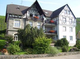 Ferienwohnungen Zum Niederberg, Lieser