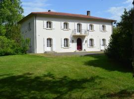 L'Escalère, Arnaud-Guilhem