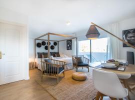 Casa Victoria Suites