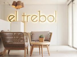 El Trebol Bar & Hotel