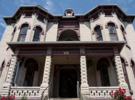 The Mitchell House Bed and Breakfast, Circleville