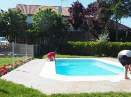 Holiday Home Salva, La Rinconada de la Sierra (Aldeanueva de la Sierra yakınında)