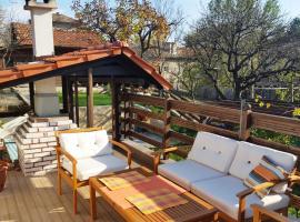 The Wild Fig, Shumen (Veliki Preslav yakınında)