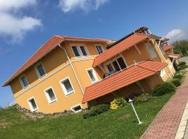 Belovai Apartman Dunaszentmiklós, Dunaszentmiklós (рядом с городом Lábatlan)