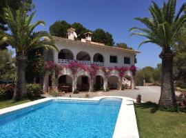 Studio Apartment in grosser Villa mit Pool, Alfaz del Pi (Cautivador yakınında)