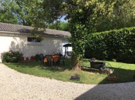 La Fleurissonnerie holiday home, Thouarsais-Bouildroux (рядом с городом Saint-Sulpice-en-Pareds)