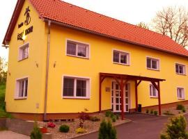 Černý Kocour Apart hotel, Šarovy (Topolná yakınında)