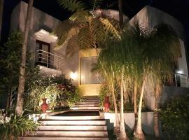 Villa nyaman, Cobanrondo