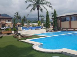 Fini Hotel Bobende, Limbe (Batoke yakınında)