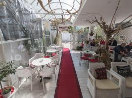 Vila Ada Hotel, Tirana