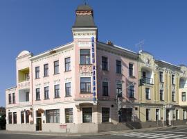 Hotel Olympia Garni, Česká Lípa (Zahrádky yakınında)