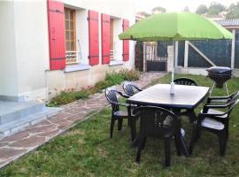 Apartment Chemin de la Mure, Aubenas (рядом с городом Saint-Étienne-de-Fontbellon)