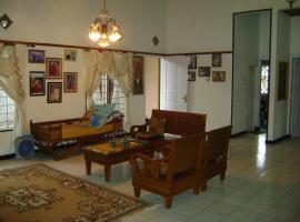 Cianjur Guesthouse, Sindanglaka (рядом с городом Karangtengah)