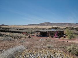 Hubara Retreat, Charco del Palo