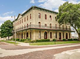 Historic Elgin Hotel