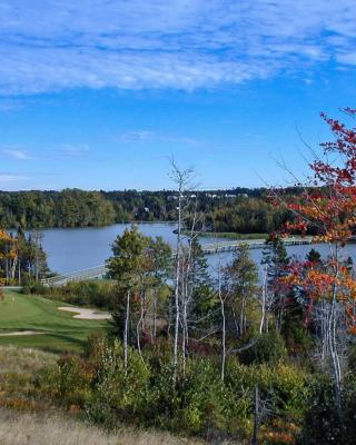 Furnished 2 Bedroom Condo/Cottages Eagles View by the Lake Vacation