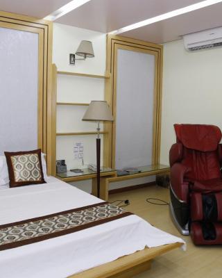 Nam Phong Hotel