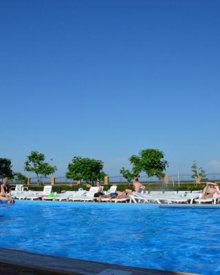 Crystal Park Hotel & Spa