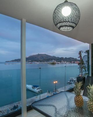 Pineapple Seaside Suite & Spa