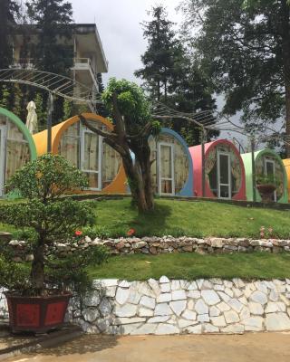 Ong Vang Meo Vac Hotel