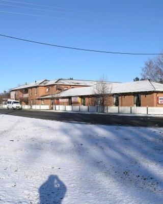 Snowgate Motel + Apartments