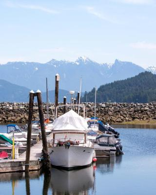 Gibsons Harbour Retreat