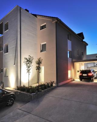 Deluxe Villa No.10 - Rooms & Apartments